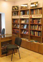 Репортаж та світлини з відкриття Смолоскипівської книгарні